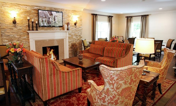 Wayside Carriage House Inn - Sudbury: One-Night Stay for Two with Dinner Credit at Wayside Carriage House Inn in Massachusetts