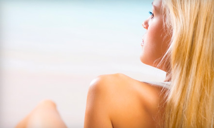 Island Breeze Tanning - Federal Way: $15 for a Custom Airbrush Tan at Island Breeze Tanning in Federal Way ($33.34 Value)