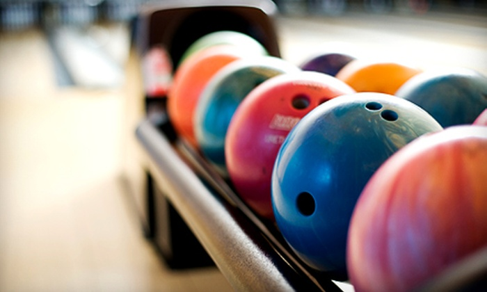 Country Club Lanes - Elkhart: $15 for Bowling and Shoes for Six Plus Pizza at Country Club Lanes (Up to $49 Value)