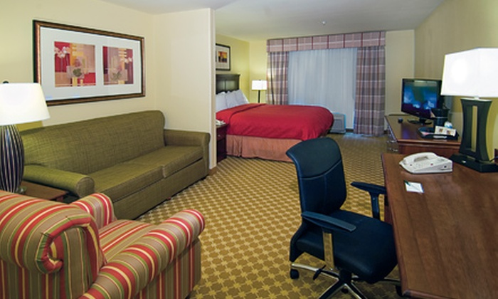 Country Inn & Suites by Carlson - Covington: $79 for a One-Night Deluxe Suite Stay for Two at Country Inn & Suites by Carlson in Covington (Up to $140 Value