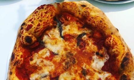 Menú de pizza para llevar para 2 o 4 con bebida y postre en La Tua Madrina