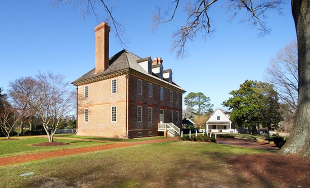 The Historic Powhatan Resort - Williamsburg, VA: Stay at The Historic Powhatan Resort in Williamsburg, VA. Dates into November.