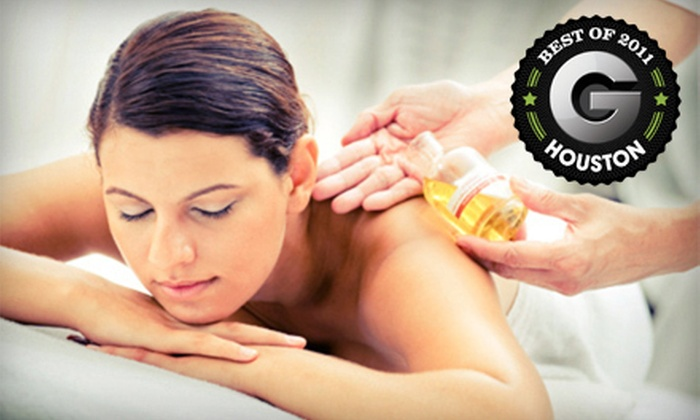 Lordex Spine Institute - League City: $29 for a One-Hour Deep-Tissue Massage at Lordex Spine Institute in League City ($69.95 Value)