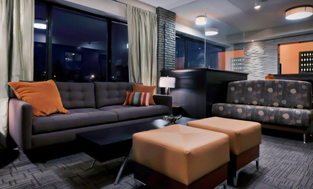 2 Night Stay for Two in a Deluxe Room - The Freeport Inn and Marina in Freeport