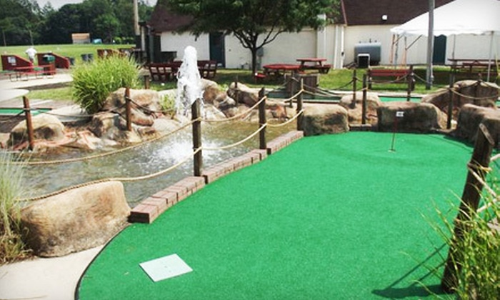 Horsham Family Golf - Abington: 2 Mini-Golf Rounds for Two or Four or 6 or 12 Mini-Golf Rounds for Up to Four at Horsham Family Golf (Up to 79% Off)
