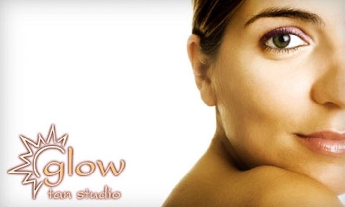 Glow Tan Studio - Wicker Park: $40 for a One-Month Red-Light-Therapy Membership at Glow Tan Studio ($80 Value)