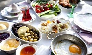 ERATO- Griechisches Restaurant: Griechischer Sonntagsbrunch für 1, 2, 4 oder 6 Personen im ERATO – Griechisches Restaurant