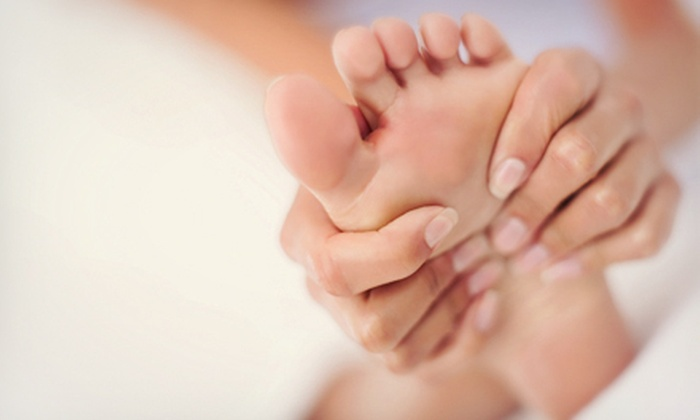 Metropolitan Aromatherapy and Relaxation Studio - Mt. Pleasant: $39 for a Reflexology Foot Massage at Metropolitan Aromatherapy and Relaxation Studio ($95 Value)