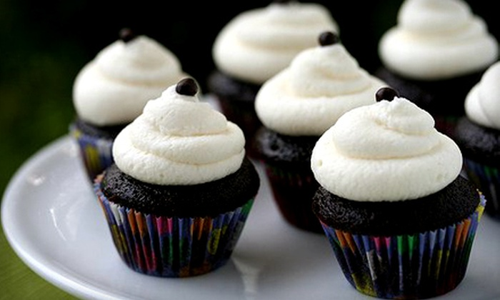 Hellooo Cupcake - Lisle: $33 for Two Dozen Cupcakes with Delivery from Hellooo Cupcake ($66 Value)