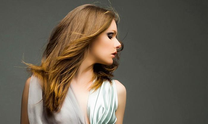 DESIGN HAIR - Montberon: Shampoing, coupe, soin et brushing avec couleur, mèches ou balayage en option dès 19,99 € au salon Design Hair