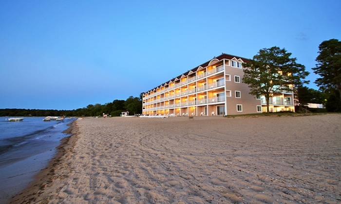 Bayshore Resort - Traverse City, MI: Stay at Bayshore Resort in Traverse City, MI, with Dates into April