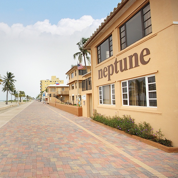 Neptune Hollywood Beach Hotel - Hollywood, FL