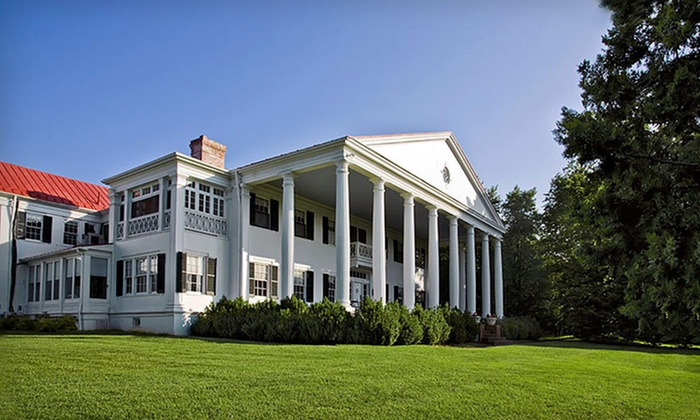 Historic Rosemont Manor - Berryville, VA: Two-Night Stay for Two with Vineyard Tours at Historic Rosemont Manor in Berryville, VA. Four Options Available.