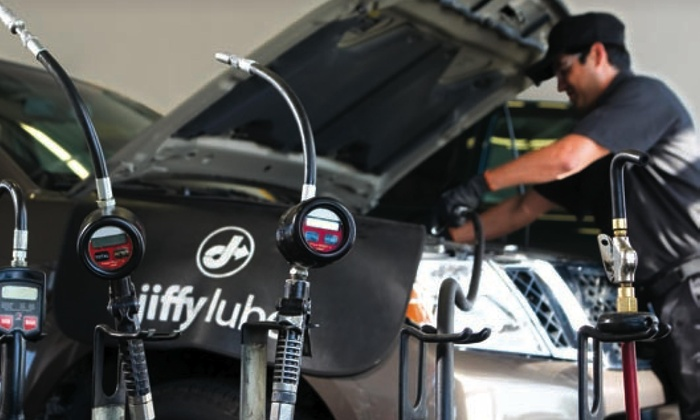 Jiffy Lube - Multiple Locations: $38 for Jiffy Lube Signature Service Oil Change, Tire Rotation, and Rain-X Original Glass Treatment (Up to $75.97 Value)