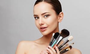 Creativ Studio Anna Mai: 2 Stunden Make-up-Workshop für 1, 2 oder 3 Personen im Creativ Studio Anna Mai (bis zu 84% sparen*)