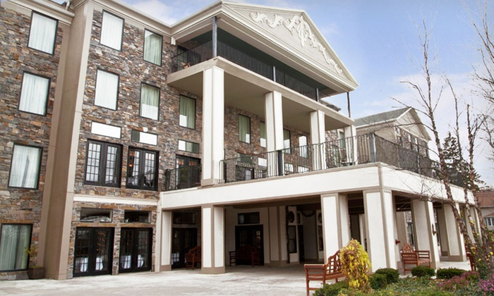 Barton Hill Hotel & Spa - Allentown / Reading: Stay with Spa Credit and Breakfast at Barton Hill Hotel & Spa in Lewiston, NY