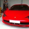 Au volant d'une Ferrari ou Lamborghini
