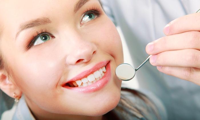 Studio Dentistico Salveti - Più sedi: Visita con pulizia, sbiancamento Led e radiografia allo Studio Dentistico Salveti (sconto fino a 82%). Valido in 2 sedi