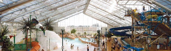 Niagara Falls Resort with Indoor Water Park