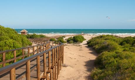 Alicante: 1, 2 o 3 noches en habitación deluxe con desayuno, detalle y late check-out en Just Relaxed Holidays in Spain