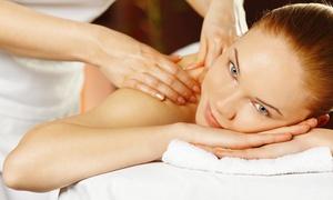 Estetica Ilaria (Mirano): Uno o 3 massaggi da 50 minuti a scelta da 19,90 €
