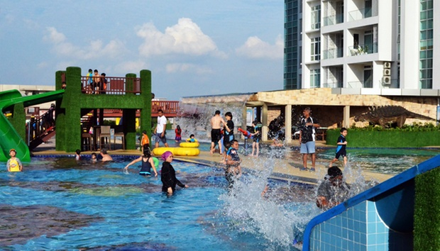 Dinosaur alive water theme park Public swimming pool in johor bahru