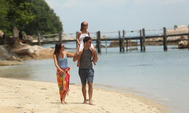 Batam: NY Stay near Beach + Ferry 10