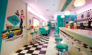 The Diner: Menú americano a elegir para 2 o 4 personas con principal, bebida y opción a entrante y postre desde 16,95€ en The Diner