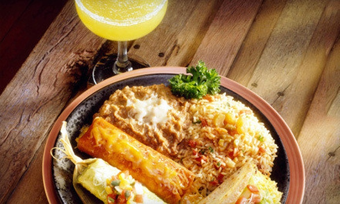 Que Pasa Cantina - Buckman: $12 for $25 Worth Of Mexican Food and Drinks at Que Pasa Cantina