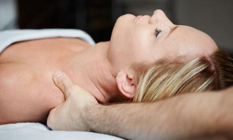 2 Std. Mama-Mota-Moringa-Massage inkl. Fußbad und Moringa-Serum für das Gesicht bei Sonara Wellness (55% sparen*)