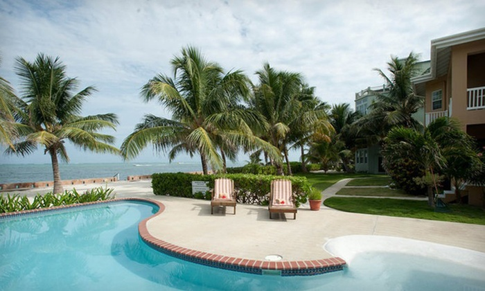 Kama Ultra Lounge -   Ambergris Caye, Belize : Three-, Five-, or Seven-Night Stay with Breakfast, Massage, and Dining Credit at Kama Ultra Lounge in Belize