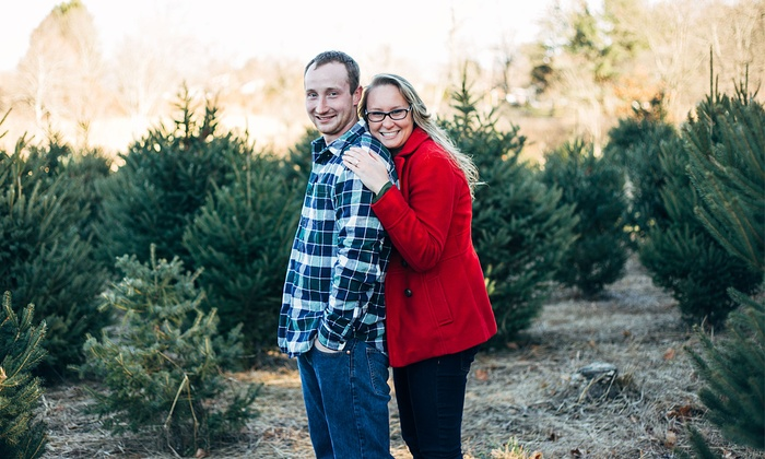 Jessicatiffany Photos - Hartford: 60-Minute Engagement Photo Shoot with Retouched Digital Images from Jessica Tiffany Photos (55% Off)