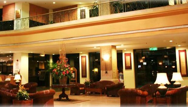Malacca: Equatorial Hotel + Coach 3