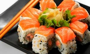 Sabores: Menú para dos personas con bandeja de sushi, entrante y bebida por 19,95 € y con postre y botella de vino por 24,95 €