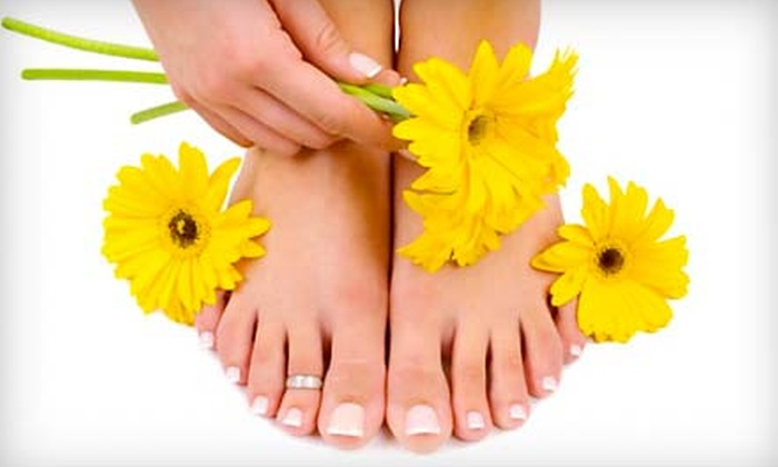 Finishing Touch Spa - Glenwood Grove - North Iris: $39 for Seascape Citrus Spa Manicure and Marine Spa Pedicure at Finishing Touch Spa in Boulder ($90 Value)