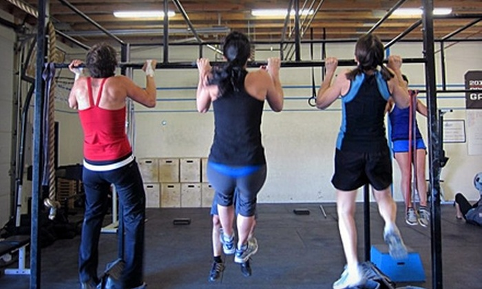 CrossFit Regina - Regina: $55 for an Eight-Class Punch Card and Three Foundations Classes at CrossFit Regina ($270 Value)
