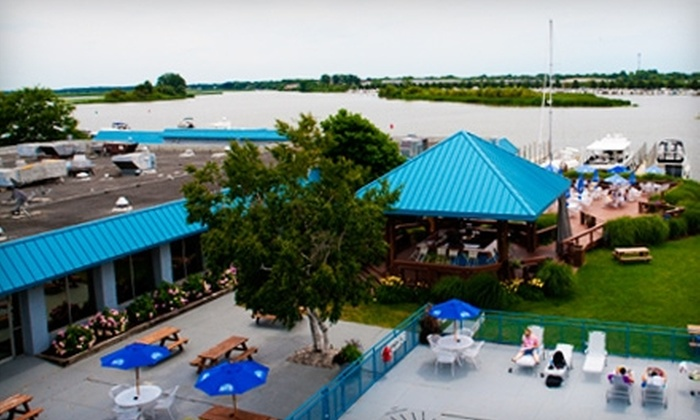 Holiday Inn Grand Haven & Spring Lake - Spring Lake: $65 for a One-Night Stay and $20 Toward American Fare at Holiday Inn Grand Haven & Spring Lake in Spring Lake (Up to $149 Value)