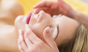 The Sacred Self: 1, 2, or 4 Reiki Sessions with Aromatherapy from Practitioner Resheeda Bowman at The Sacred Self (Up to 48% Off)
