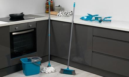 Set de nettoyage Beldray : 4 brosses, 1 pelle, un balai serpillière + 1 recharge