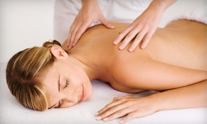 Family Wellness Center - Cottage Grove: $33 for a Relaxation Massage and Back Exam at Family Wellness Center in Cottage Grove ($94 Value)