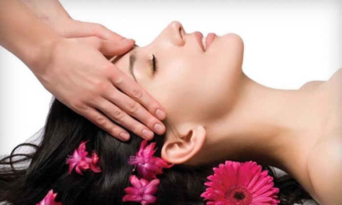 Excellence In Touch - Austin: $50 for 30-Minute Reiki and Chakra-Balancing Session at Excellence In Touch ($100 Value)