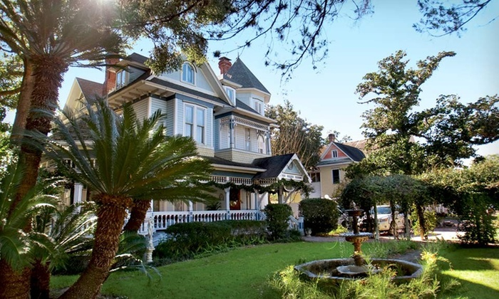 Sweetwater Branch Inn - Gainesville, FL: Two-Night Stay for Two with Wine, Chocolates, and a Picnic at Sweetwater Branch Inn in Florida