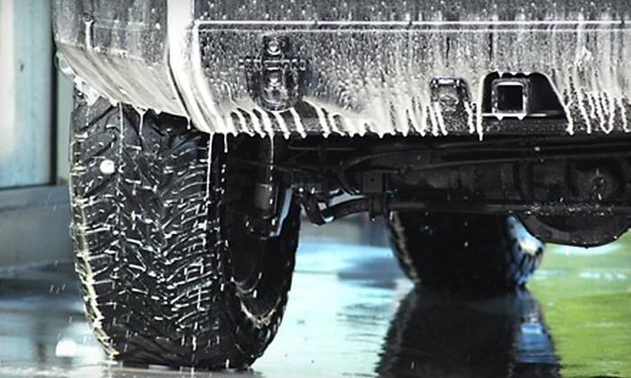 Easywash - Vancouver: $35 for Four Guardian Car Washes at Easywash in North Vancouver ($80 Value)