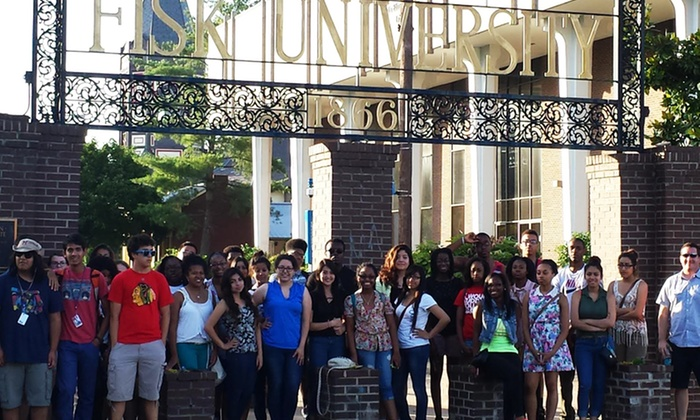 College Campus Tours - Hunter Hills: $275 for a Two-Day Georgia College Campus Tour on January 18-19 from College Campus Tours ($375 Value)