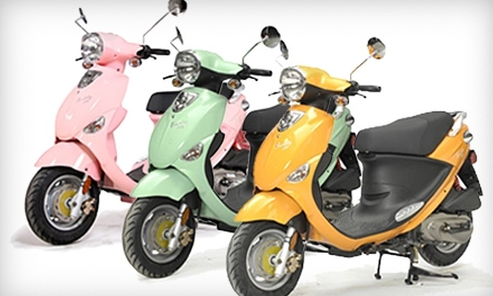 Scooterworks Chicago - Lincoln Square: $1,900 for a Buddy 125 Scooter from Scooterworks Chicago ($2,699 Value)