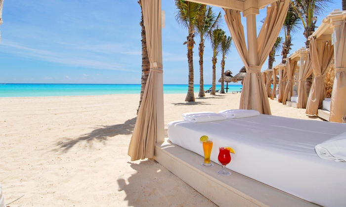 Premium Collection: All-Inclusive Cancún Resort with Private Beaches