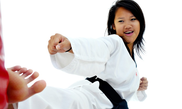 Hong's Karate - Mesa: $38.50 for One Month of Karate Lessons at Hong's Karate ($110 Value)