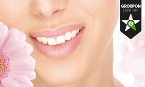 Policlinica Nacar Salud: 1 o 2 blanqueamientos dentales con limpieza bucal completa desde 49,90 €