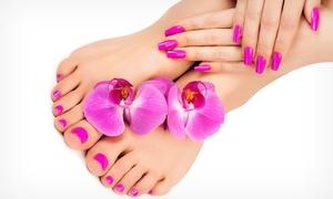 Salon Fryzjerski Szalone Nożyczki: Wybrany manicure (49,99 zł) lub pedicure (54,99 zł) i więcej opcji w Salonie Szalone Nożyczki
