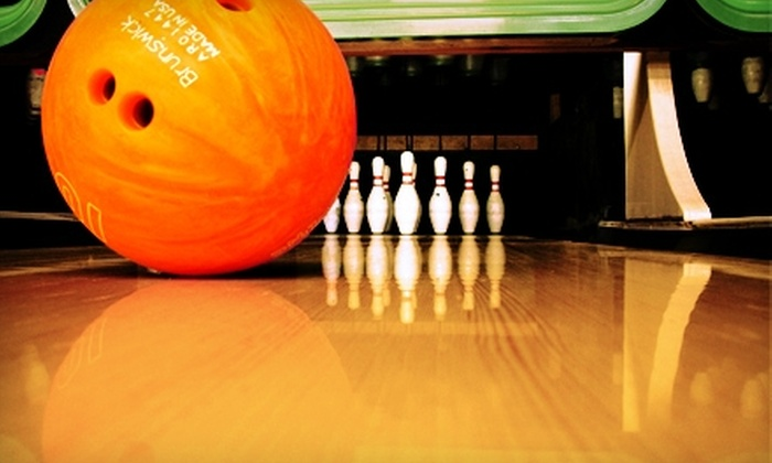 Lakeside Lanes - Mundelein: $5 for Three Games of Bowling and One Pair of Rental Shoes at Lakeside Lanes in Mundelein (Up to $11.20 Value)